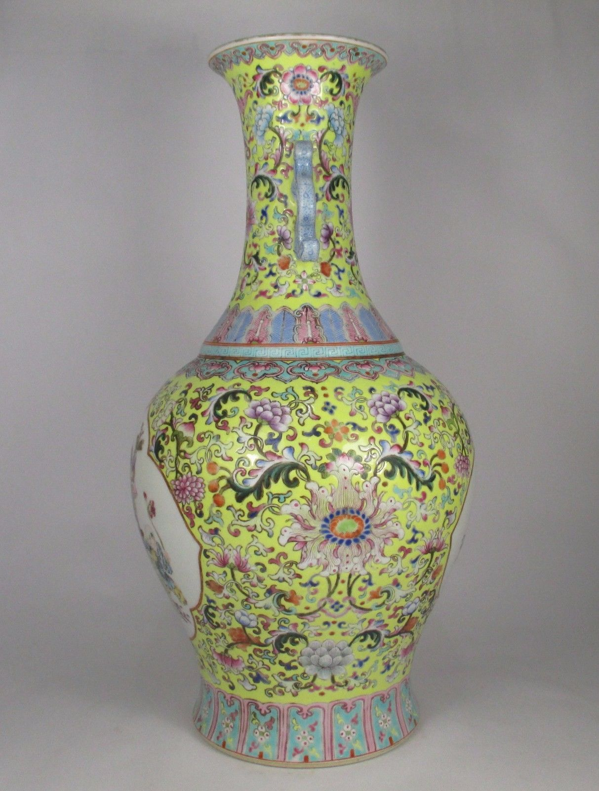 Very fine large antique chinese famille rose vase qianlong mark very fine large antique chinese famille rose vase qianlong mark reviewsmspy