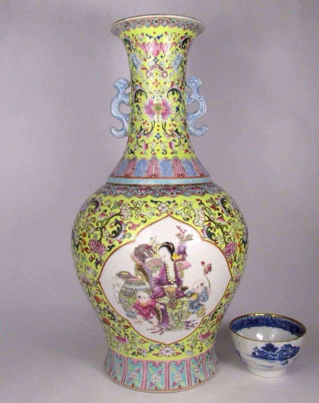 Very Fine Amp Large Antique Chinese Famille Rose Vase