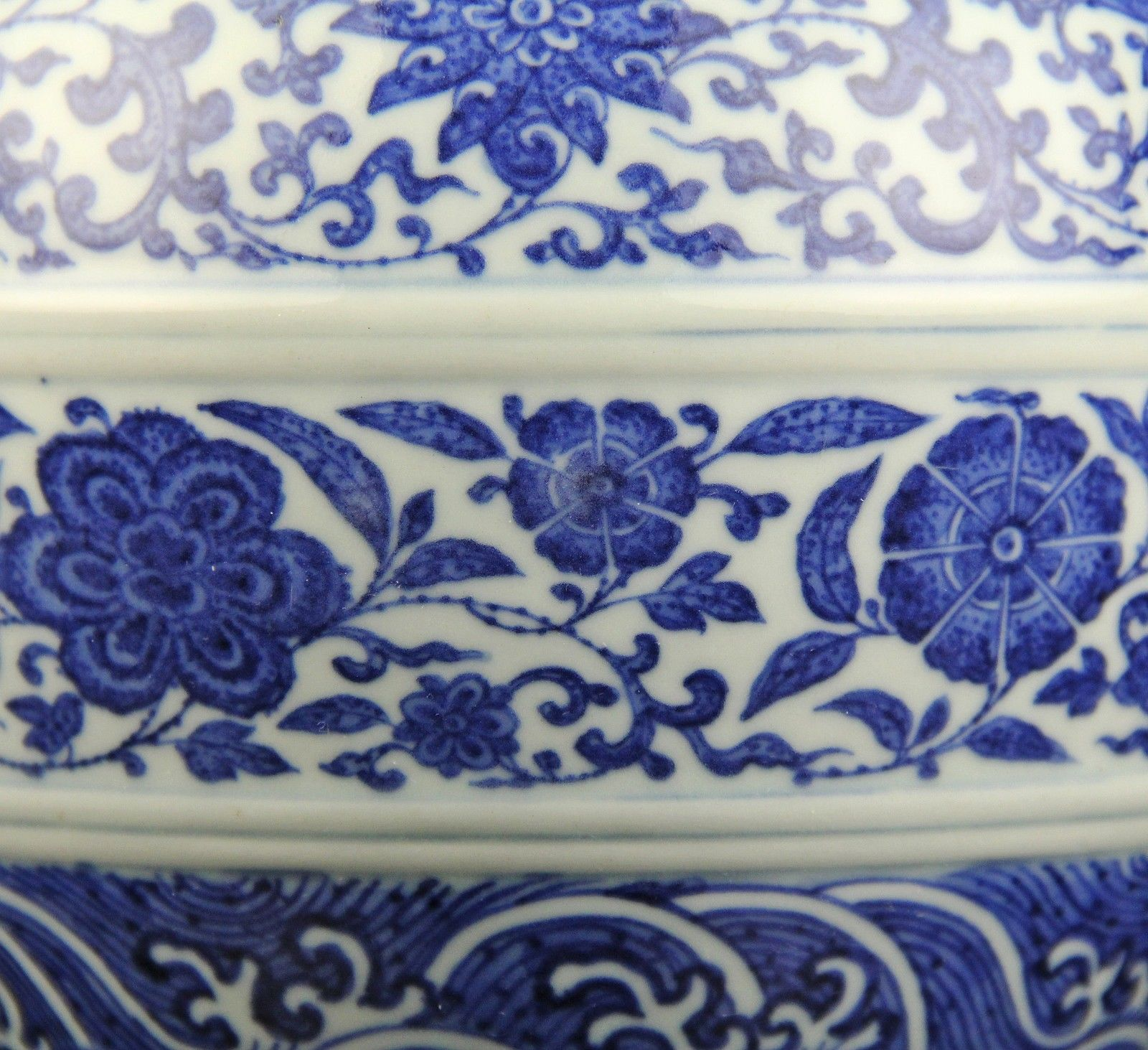 Antique Chinese Blue And White Porcelain Vase Daoguang