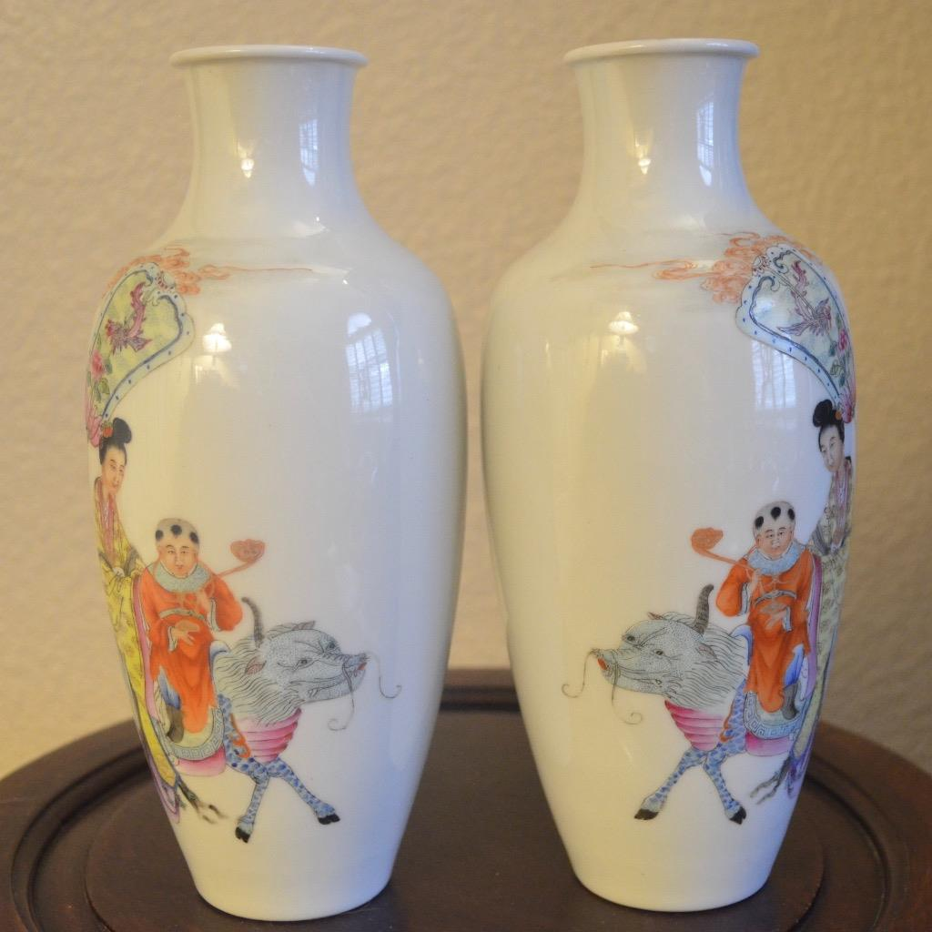 Pair Of Antique Chinese Vases In A Custom Fitted Wood Box Antique Chinese