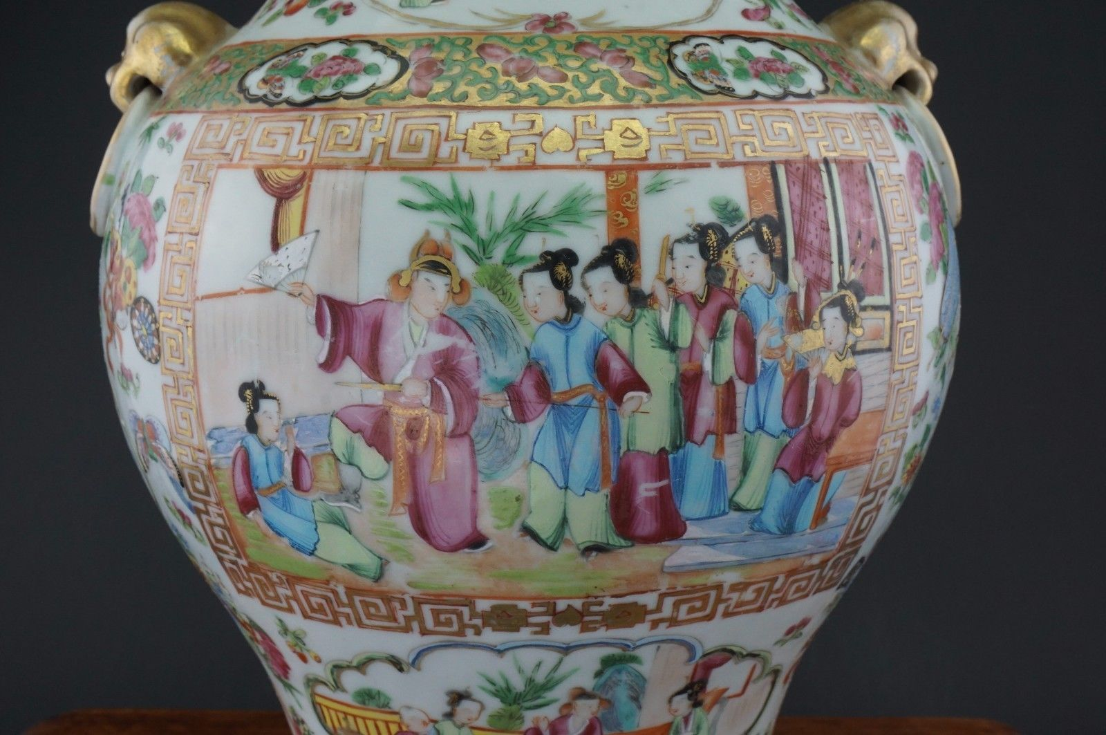 V Large 37cm Antique Chinese Canton Famille Rose Porcelain