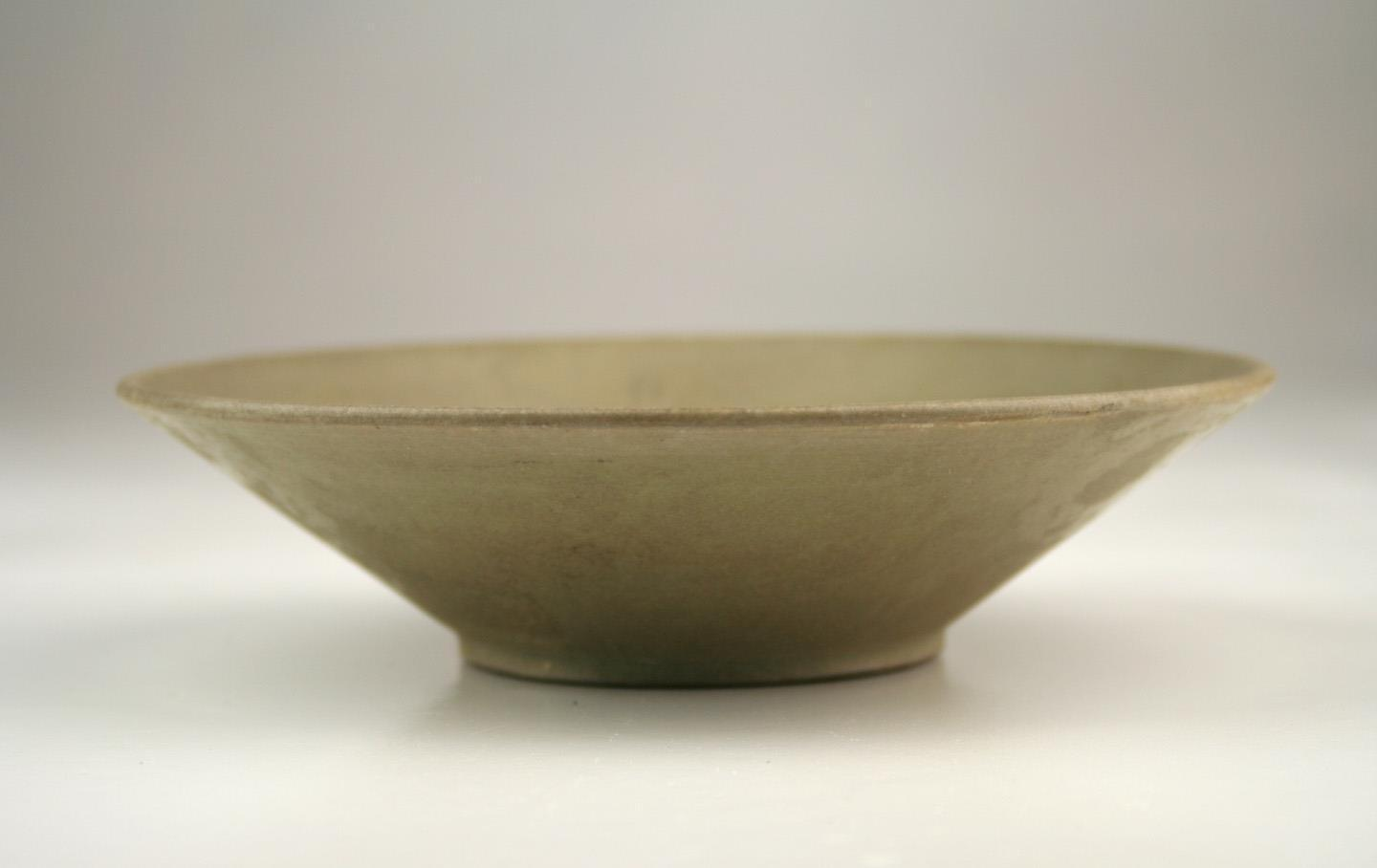 Antique Chinese 9thc Tang Yue Celadon Greenware Bowl With Bi Foot Base Antique Chinese