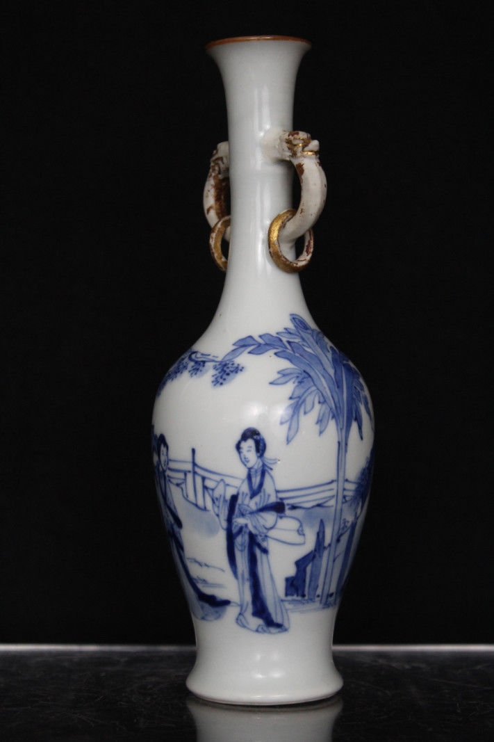 A Chinese Kangxi Period Blue Amp White Vase With Loop Handles Amp Figural Decoration Antique Chinese