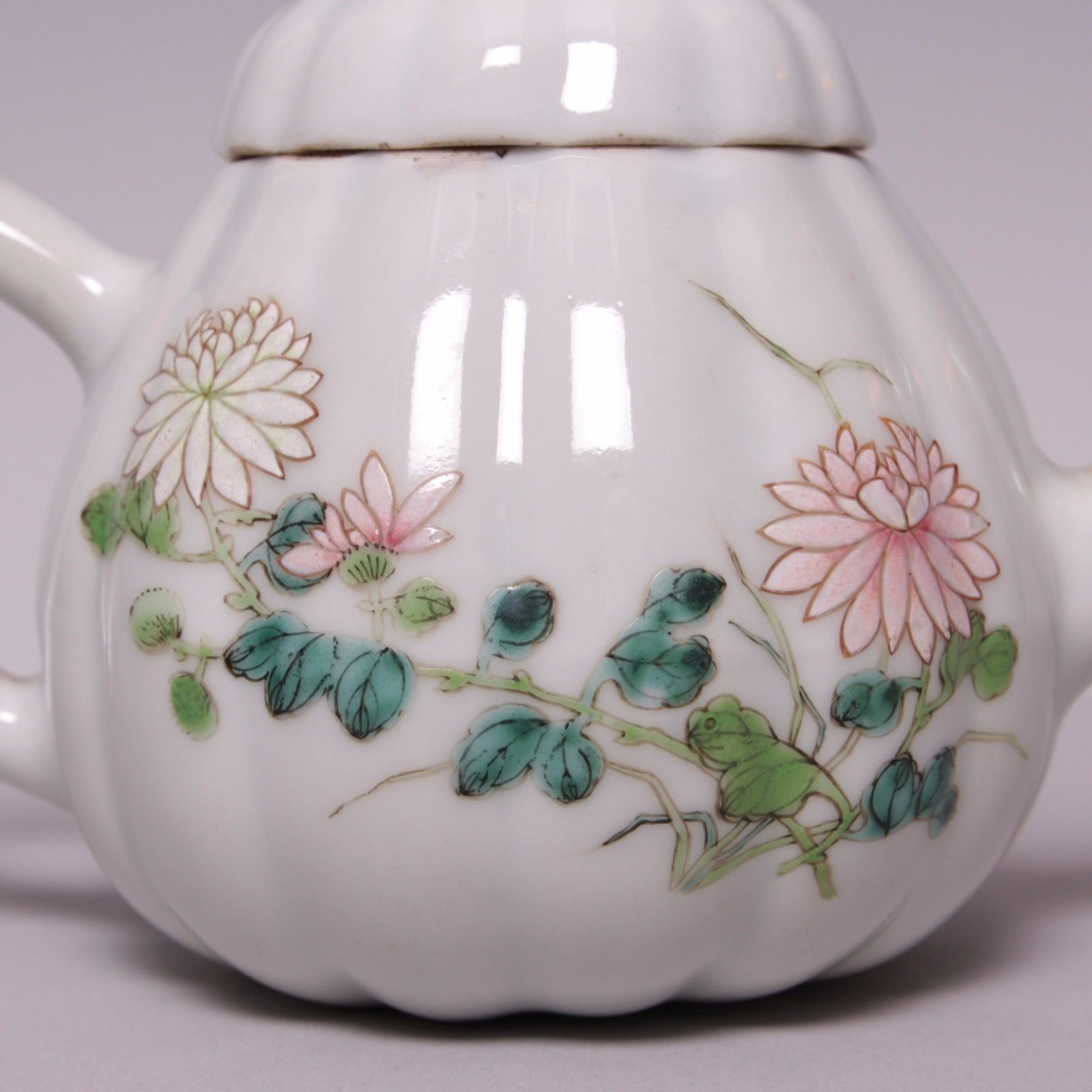 Chinese Porcelain Melon Shaped Famille Rose Teapot 18th Ct Yongzheng Antique Chinese